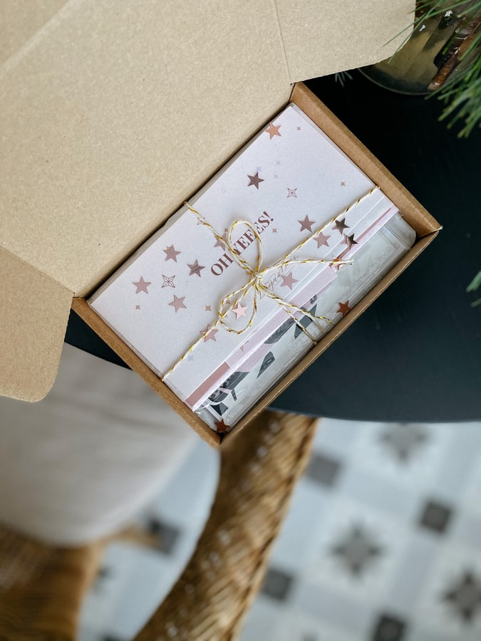 Pourquoi offrir des chèques ou des cartes cadeaux en entreprise ?